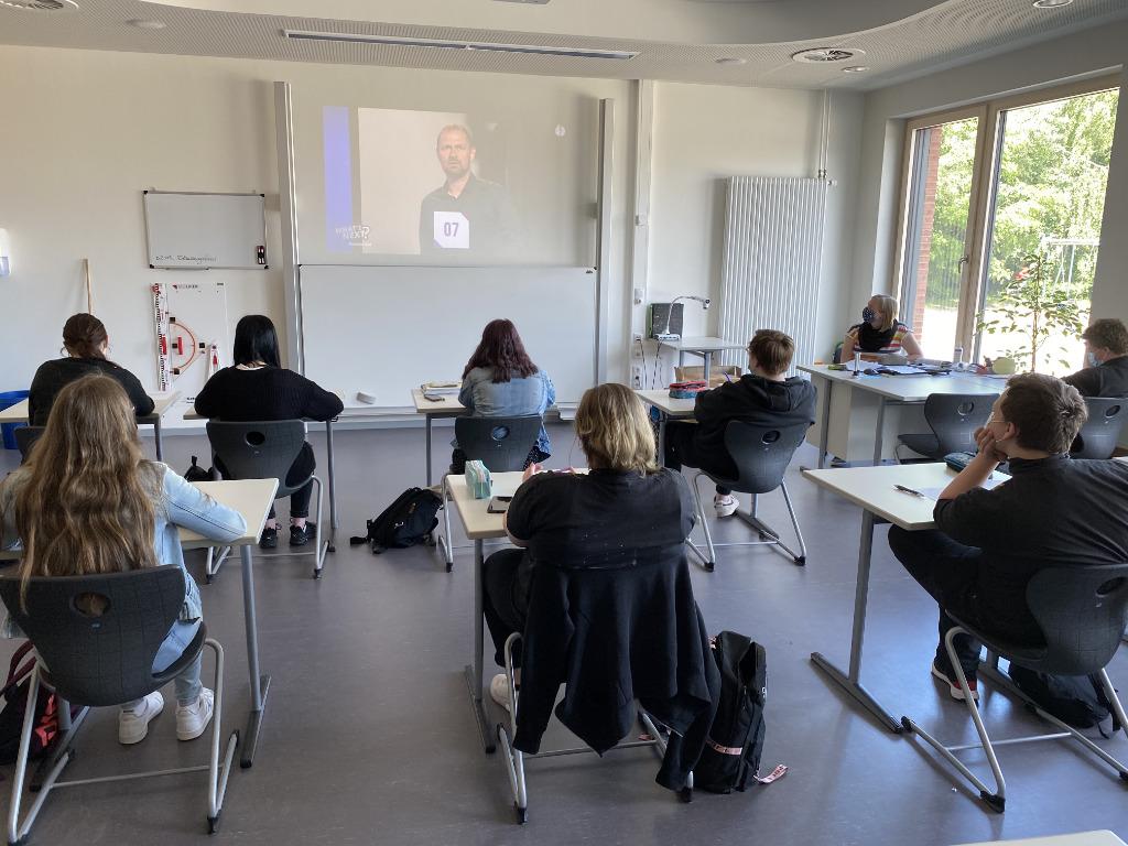 What's Next Streaming in Klassenraum Schule